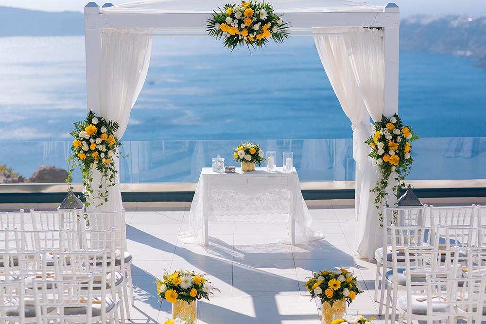 Decor de nunta la mare in Grecia - nuntapeplaja.ro