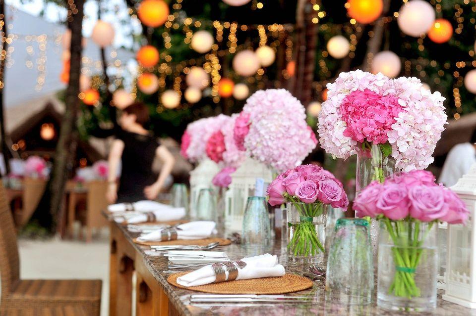 Decor floral pentru masa - nuntapeplaja.ro