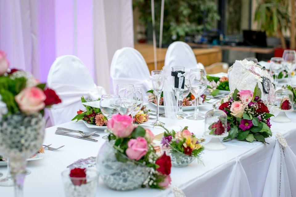 Decor de nunta floral - nuntapeplaja.ro