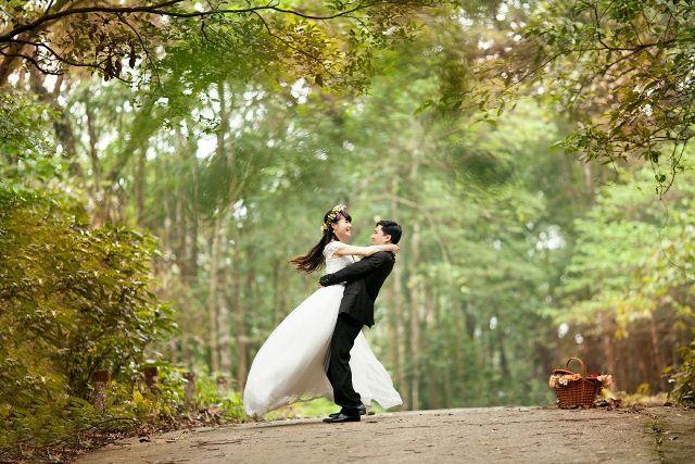 Nunta in padure - nuntapeplaja.ro