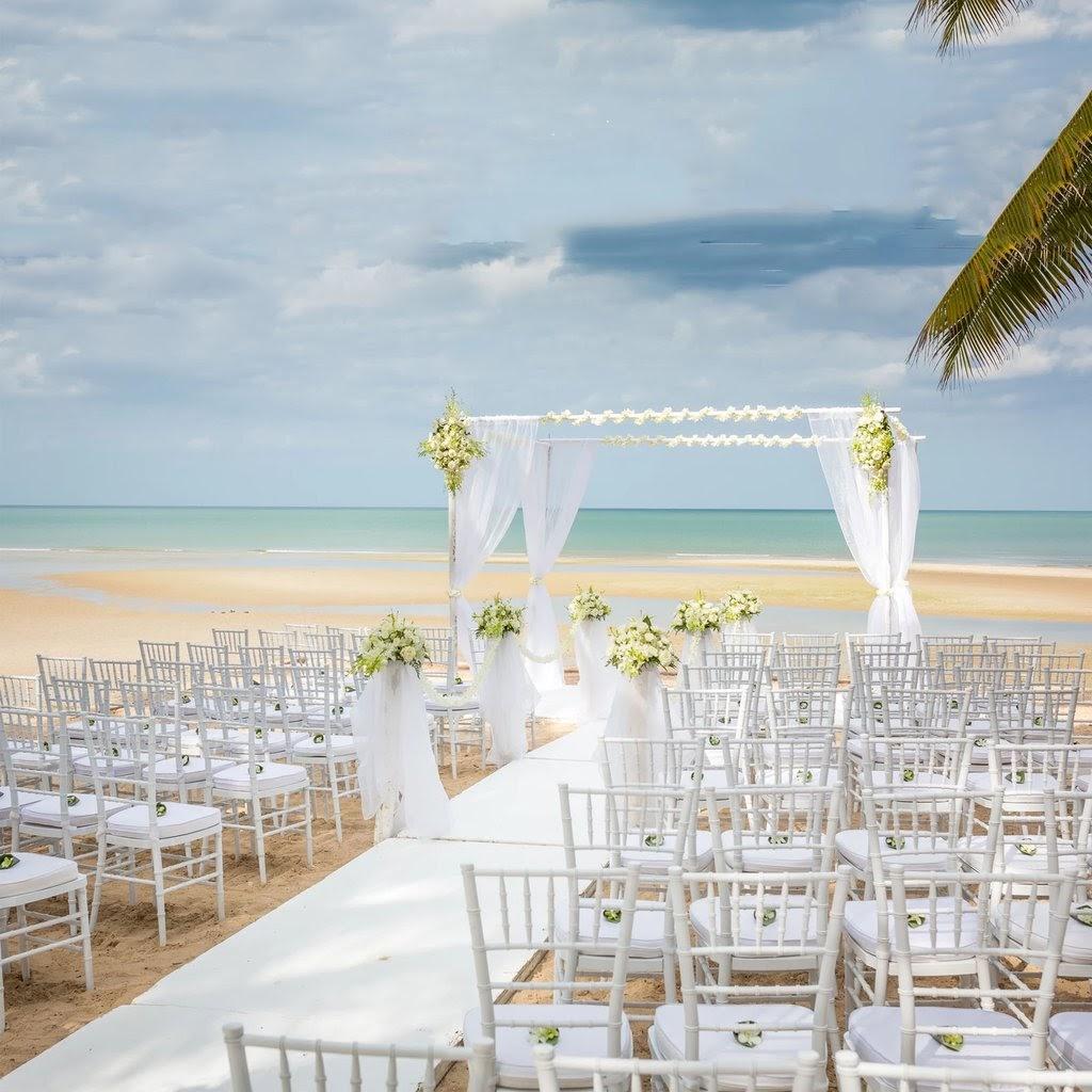 Decor de nunta pe plaja