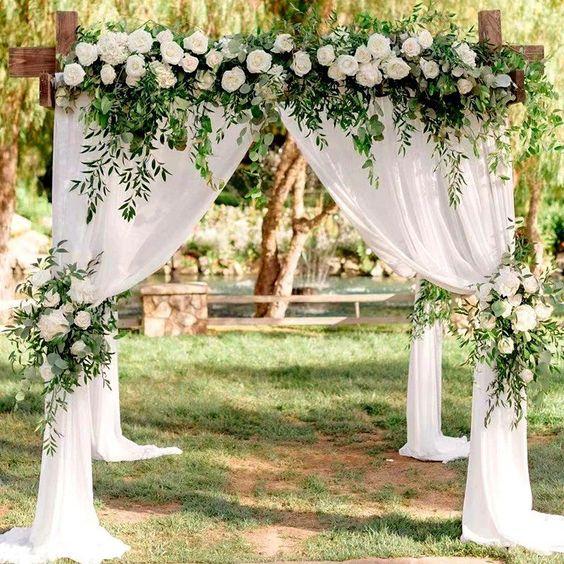 Aranjamente florale și alte decorațiuni pentru nunți cu specific rustic - nuntapeplaja.ro