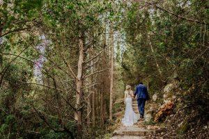 Pot cuplurile din România să organizeze o nuntă în pădure?- nuntapeplaja.ro