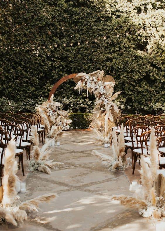 Motive pentru care nunțile de toamnă sunt o alegere inspirată - nuntapeplaja.ro