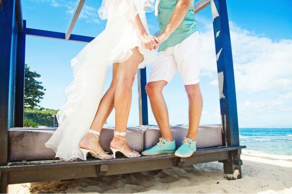 Rochia de mireasă - nuntapeplaja.ro