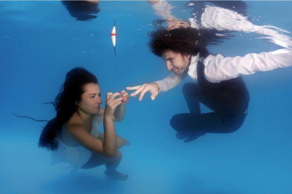 Ceremonie sub apă - nuntapeplaja.ro