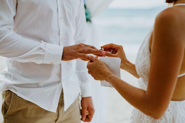 Reînnoire jurăminte căsătorie - nuntapeplaja.ro