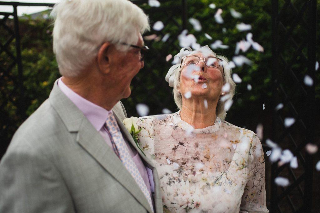 Nunta de os - nuntapeplaja.ro