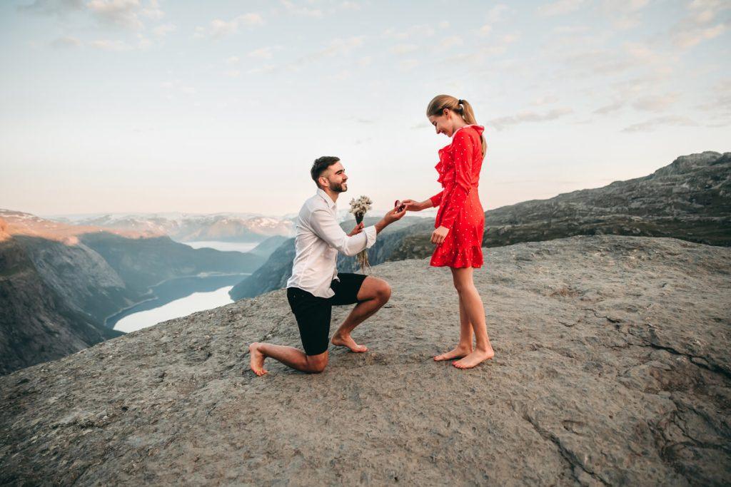 Cerere in casatorie la munte - nuntapeplaja.ro