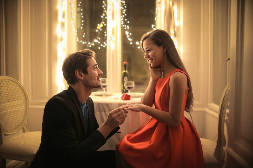 Idei de cerere in casatorie la restaurant - nuntapeplaja.ro