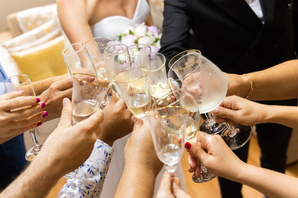 Idei de întâmpinare a invitaților la nuntă - pune-ți amprenta peste acest moment important - nuntapeplaja.ro